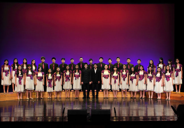 Chulada-Choir-of-Chulalongkorn-University-Demonstration-Secondary-School---2012
